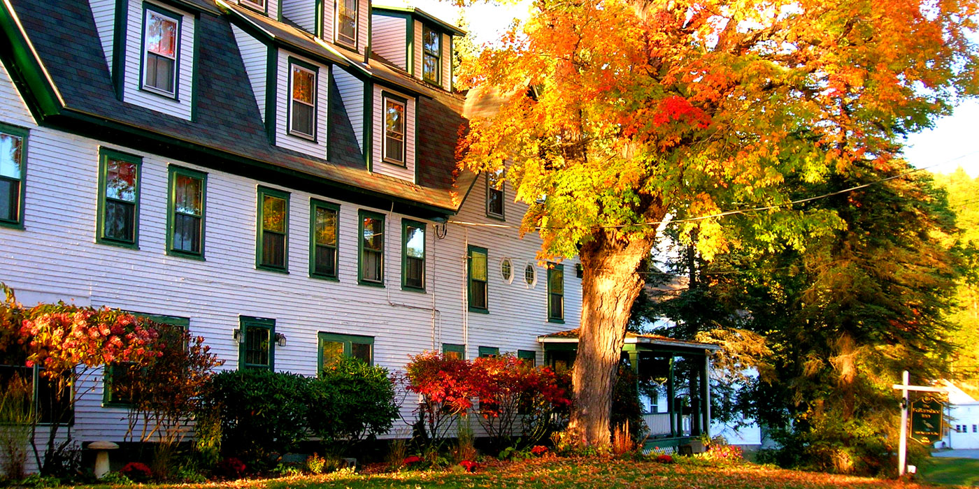 Follansbee Inn in the Fall | Follansbee Inn, North Sutton, NH