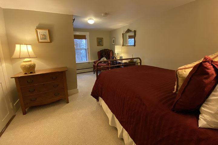 Eileen Bed 3 | Follansbee Inn, Lake Sunapee, NH