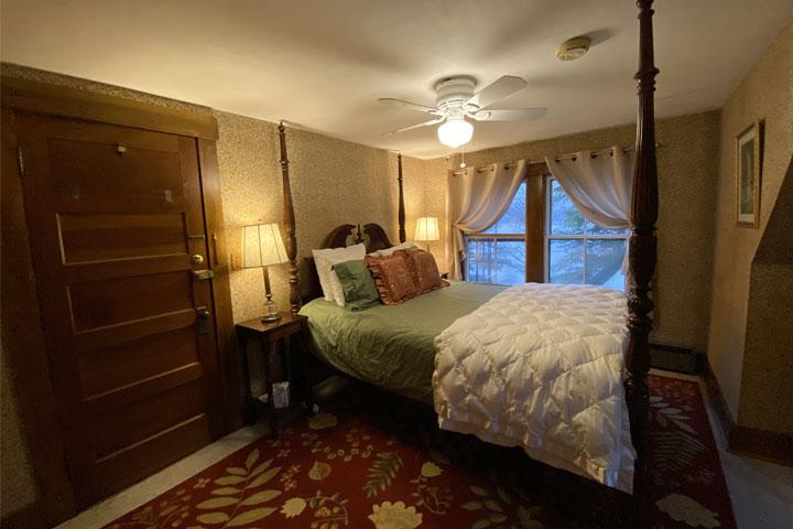Olivia Bed 1 | Follansbee Inn, Lake Sunapee, NH