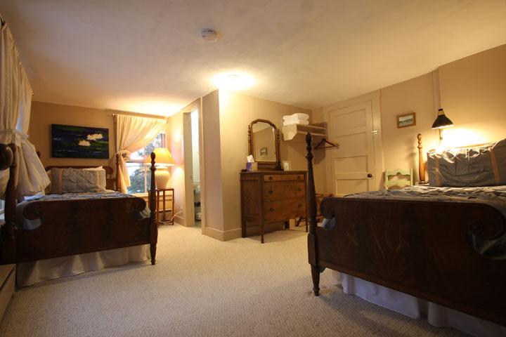 Alexander Room 1 | Follansbee Inn, Lake Sunapee, NH