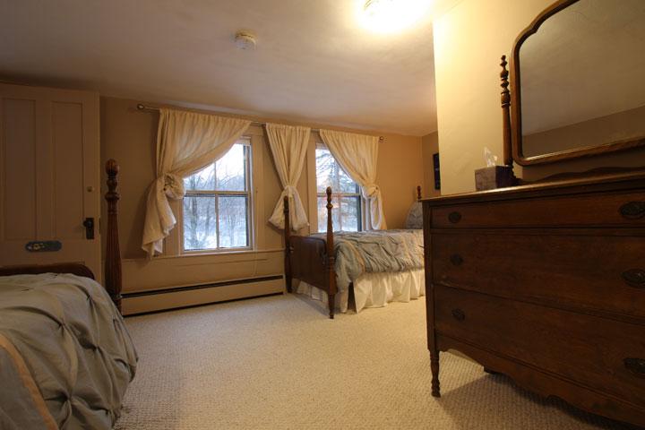 Alexander Room 2 | Follansbee Inn, Lake Sunapee, NH