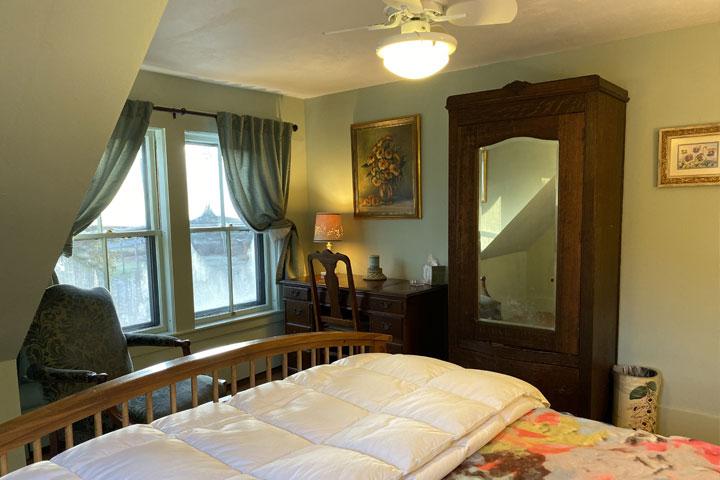 Family Bed 7 | Follansbee Inn, Lake Sunapee, NH