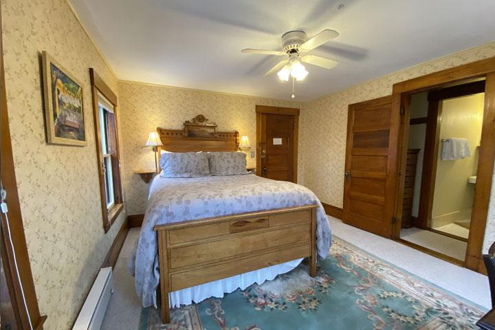 Jean Room Bed 2 | Follansbee Inn, Lake Sunapee, NH