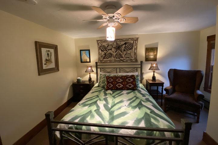 Parker Bed 3 | Follansbee Inn, Lake Sunapee, NH