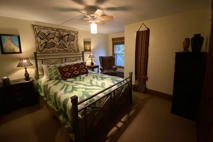 Parker Bed 1 | Follansbee Inn, Lake Sunapee, NH