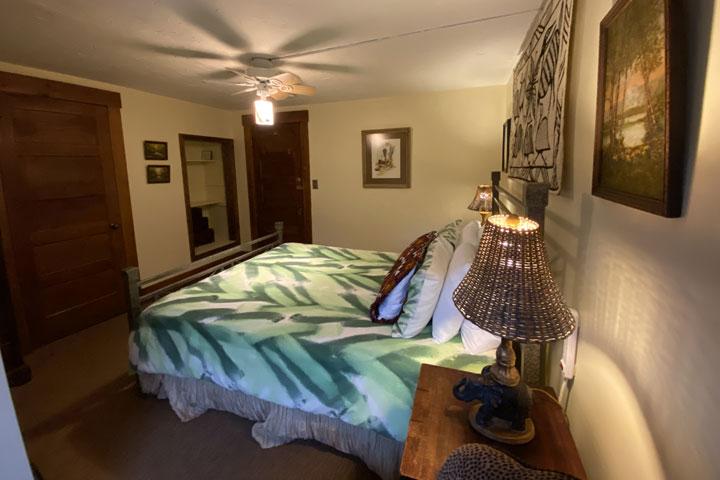 Parker Bed 2 | Follansbee Inn, Lake Sunapee, NH