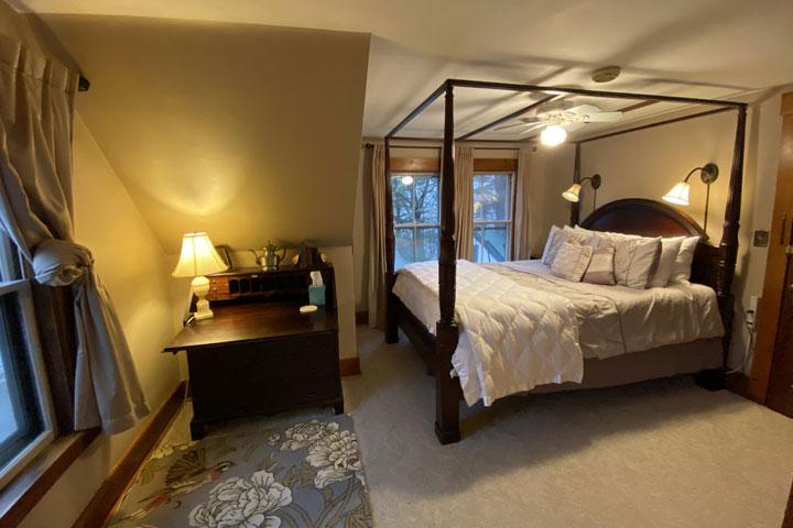 Rylee Bed 1 | Follansbee Inn, Lake Sunapee, NH