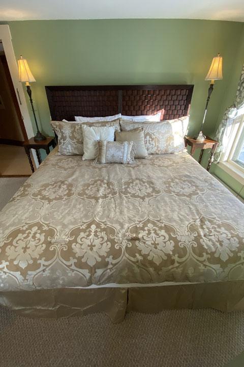 Talbot Bed 3 | Follansbee Inn, Lake Sunapee, NH