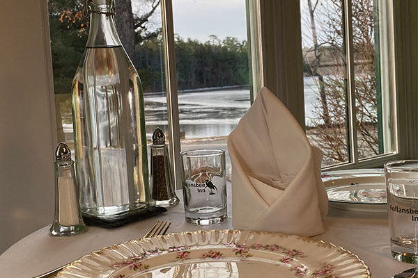 Dining Lake View