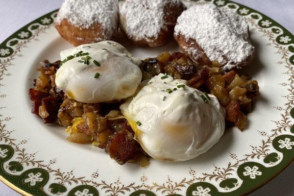 breakfast-with-beignets