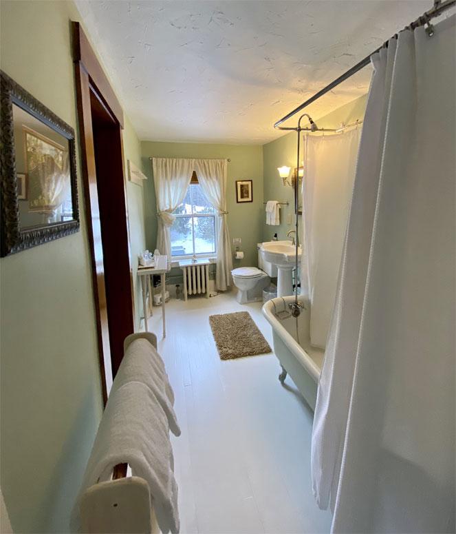 Parker Bathroom 2 | Follansbee Inn, Lake Sunapee, NH