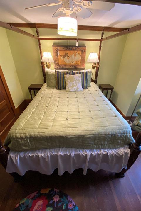 Valerie Bed 2 | Follansbee Inn, Lake Sunapee, NH