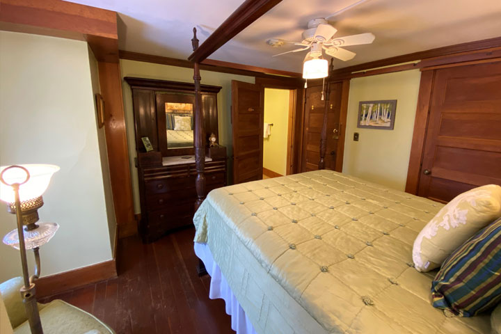 Valerie Bed 3 | Follansbee Inn, Lake Sunapee, NH