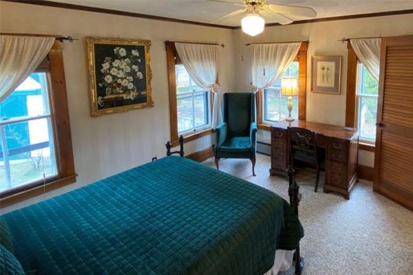 Lora Bed 1 | Follansbee Inn, Lake Sunapee, NH