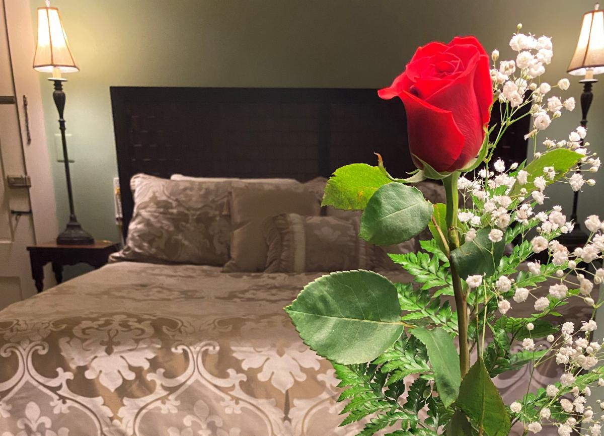 Bedroom Rose | Follansbee Inn, Lake Sunapee, NH