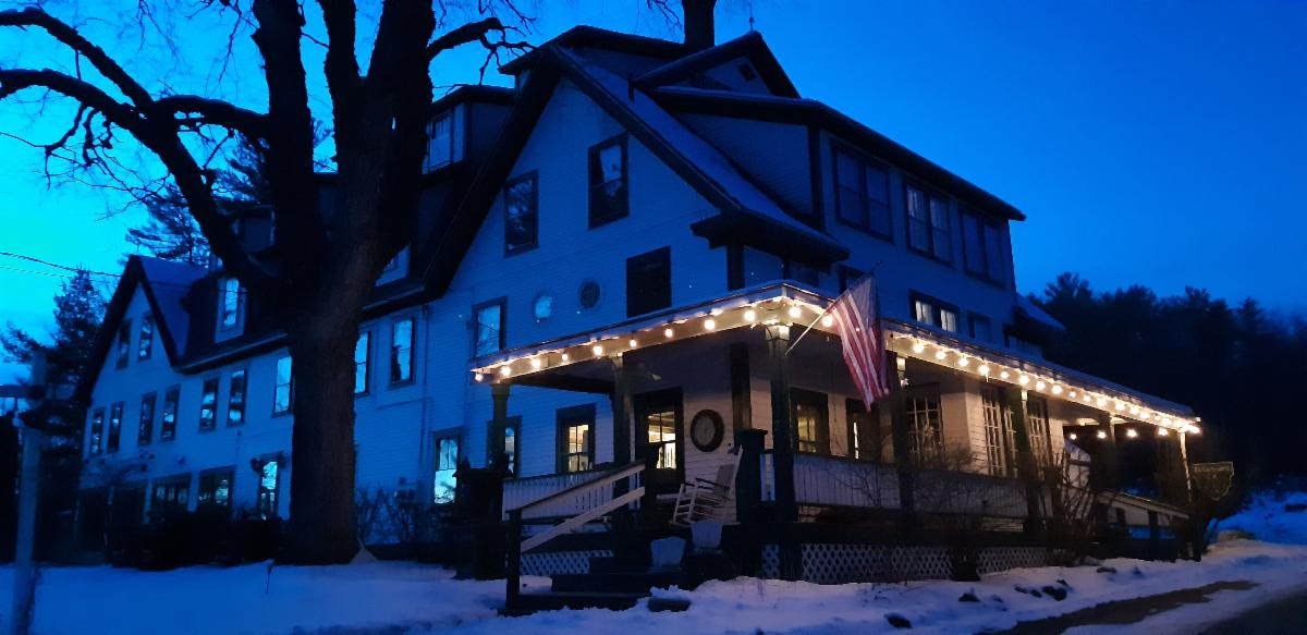 Follansbee Inn Night View | Follansbee Inn, Lake Sunapee, NH